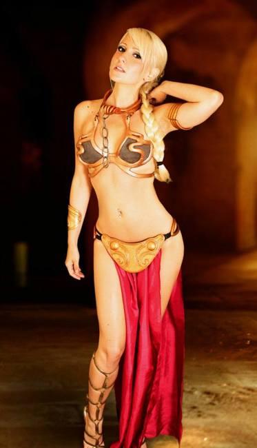 slave-leia-cosplay-2