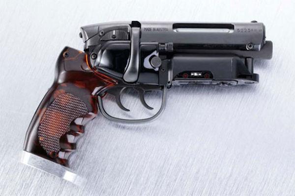 blade-runner-pistol-1