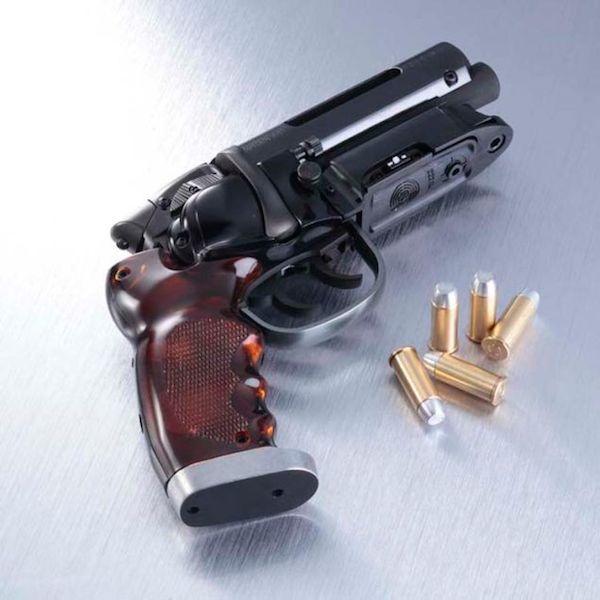 blade-runner-pistol-3