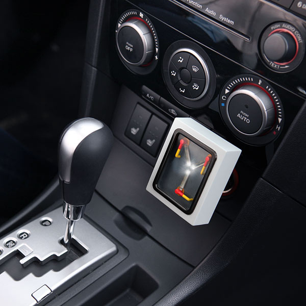 1ba1_flux_capacitor_car_charger_inuse