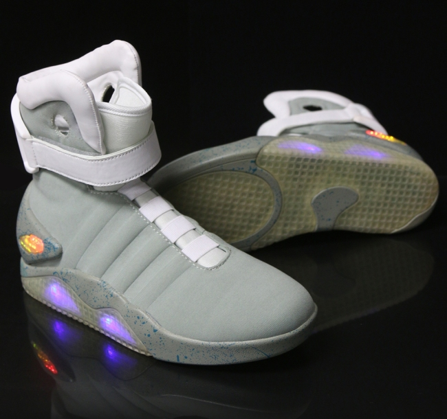 back_to_the_future_nike_mag_replicas_2