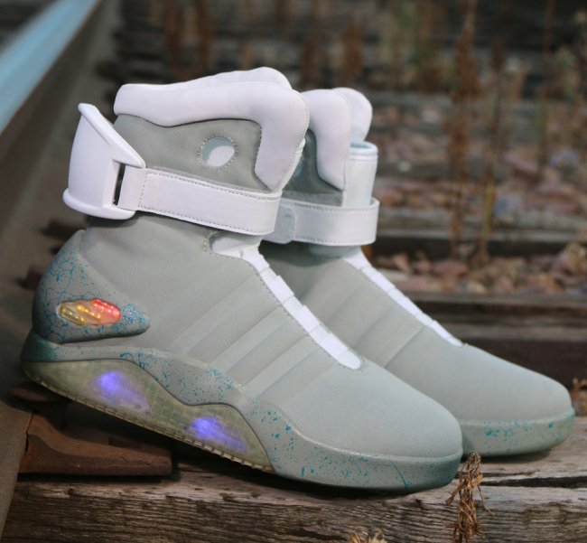 back_to_the_future_nike_mag_replicas_3