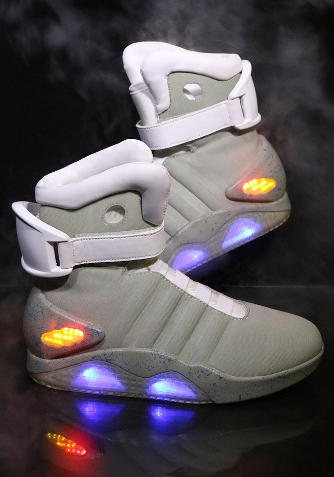 back_to_the_future_nike_mag_replicas_5