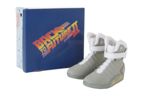 nike-air-mag-halloween-costume-replicas-officially-licensed-by-universal-studios-1