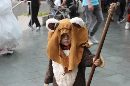 Pretty-Cute-Ewok-Cosplay
