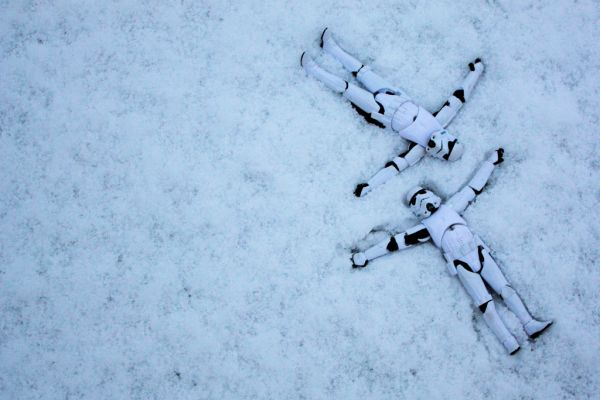 Camouflage-storm-tropper-winter-snow-hide-hiding-star-wars