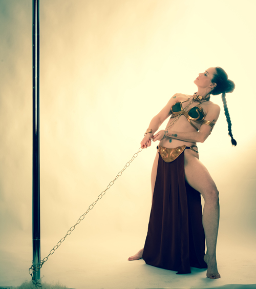 slave_leia_pole_dance_04