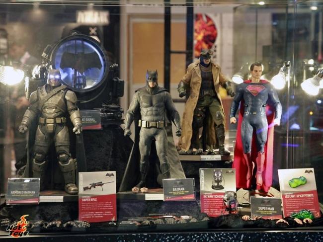 batman_v_superman_figures_1