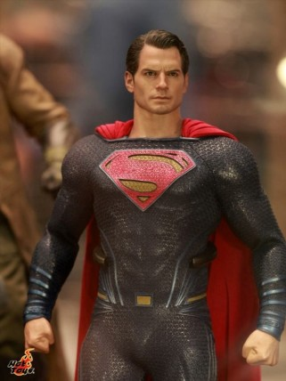batman_v_superman_figures_4-620x827