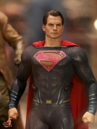 batman_v_superman_figures_4-620x827