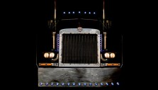 optimusprime-auctionphoto1-frontpage-700x401